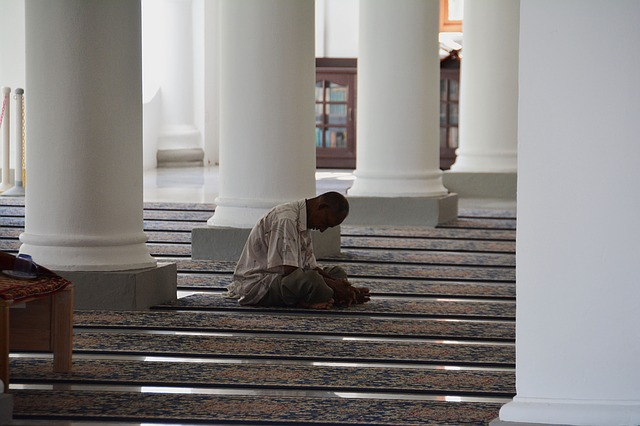 recite quran at masjid